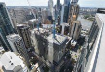 Hai tòa nhà đang được ghép nối tại Brisbane