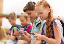 Australiavisa - Các nước quy định sử dụng điện thoại trong giờ học thế nào
